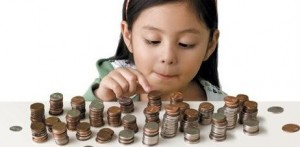 111413_ES_girl-counting-coins-1